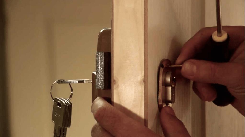 apertura de puertas - Instalación Cambio Bombin de Cerraduras de Seguridad