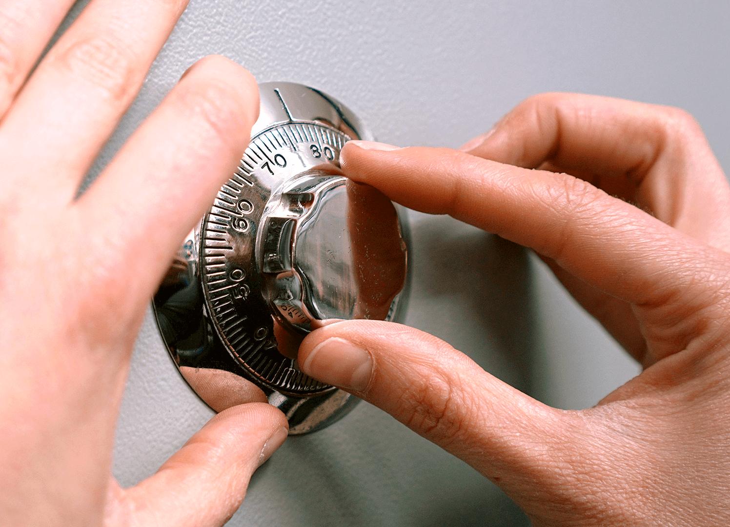 una caja fuerte - Instalación Apertura de Cajas Fuertes
